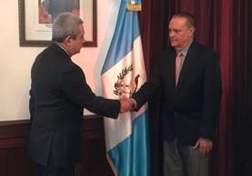 Carlos Enrique Soto Menegazzo al momento de su nombramiento como ministro de Salud. (Foto Prensa Libre: Presidencia)