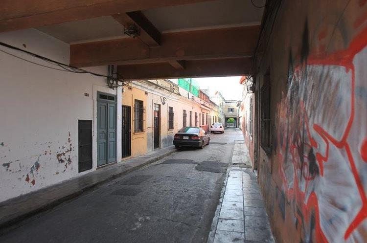 El pasaje San Jorge aún es de uso peatonal.(Prensa Libre: Esbin García.)