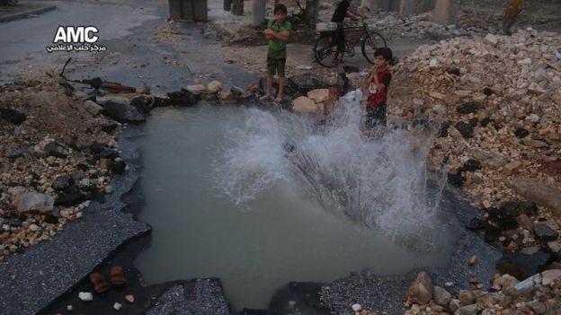 Los bombardeos se han incrementado en la ciudad, lo que ha dejado a dos millones de personas atrapadas entre los combates. ALEPPO MEDIA CENTRE