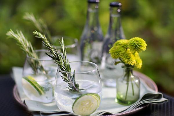 """<p>El gin-tonic también puede ser una bebida exuberante. <br _mce_bogus=""""1""""></p>"""