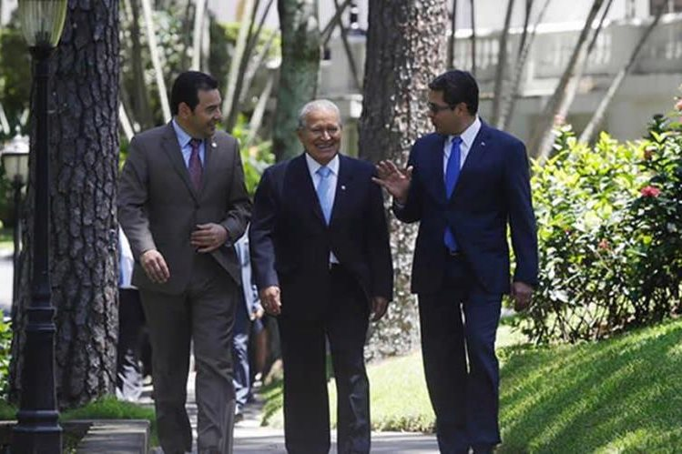 Migrantes e inversión son los temas de Centroamérica en cumbre con Estados Unidos y México. El TPS no estará en la agenda de la Conferencia sobre el Istmo. (Foto Prensa Libre: Hemeroteca PL)