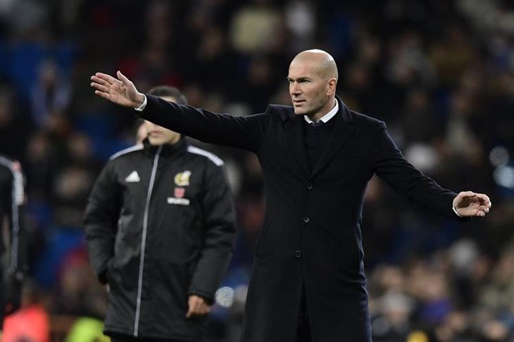 Zidane se mantuvo expectante durante el partido de cuartos de final de la Copa del Rey que perdió contra el Celta. (Foto Prensa Libre: AFP).