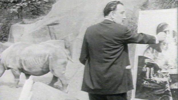 Salvador Dalí es conocido por su trabajo surrealista.