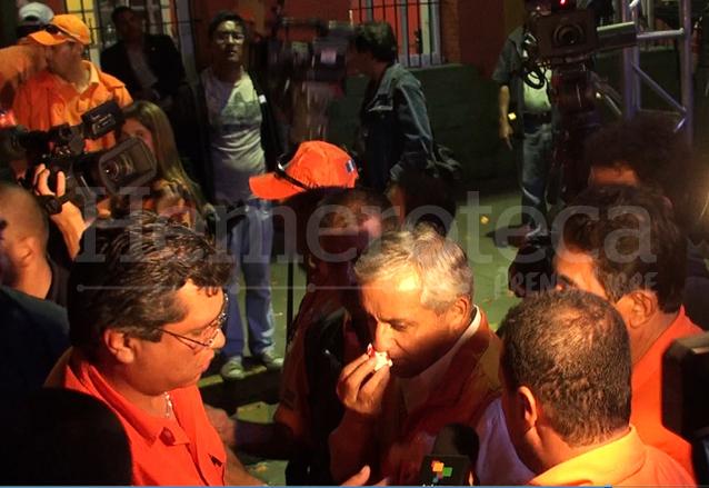 Otto Pérez Molina no pudo cerrar campaña, porque le sangró la nariz. (Foto: Hemeroteca PL)