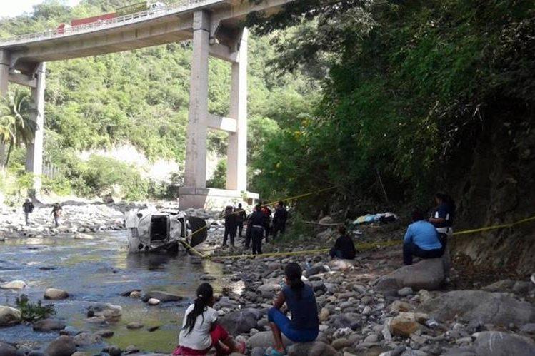 Lugar donde ocurrió la tragedia en San Antonio La Paz, El Progreso. (Foto Prensa Libre: Hugo Oliva).