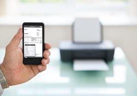 La utilización de la factura electrónica reduce los costos para las empresas. (Foto Prensa Libre: )