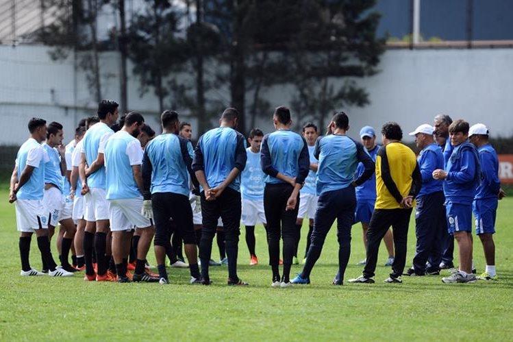 El equipo guatemalteco se prepara para la clasificación al Mundial de Rusia 2018. (Foto Prensa Libre: Francisco Sánchez)