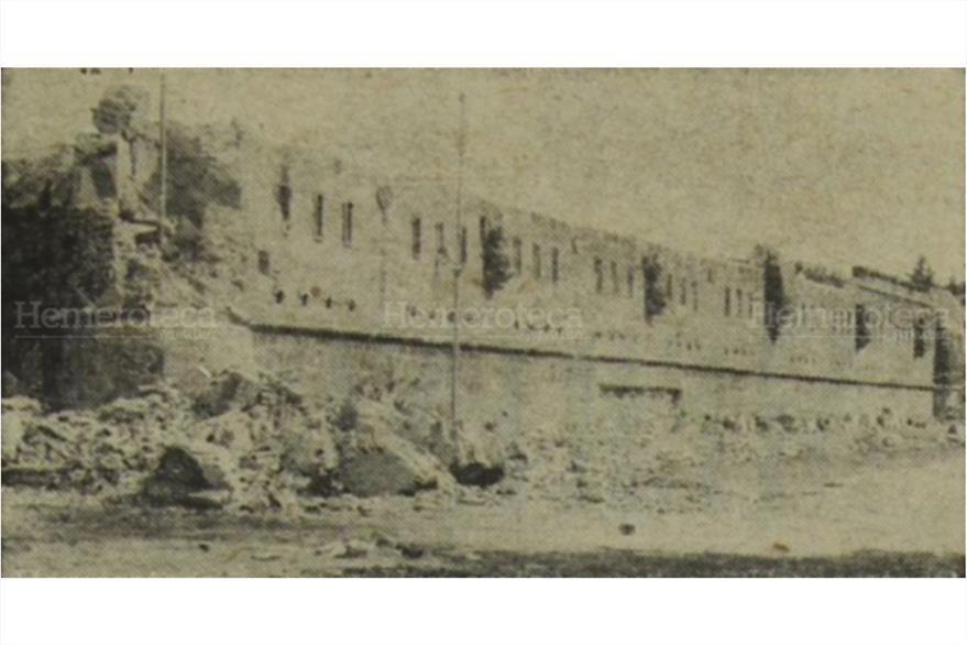 Destrucción  de la Escuela Politécnica por el terremoto de 1917. Foto publicada el 27/12/1972. (Foto: Hemeroteca PL)