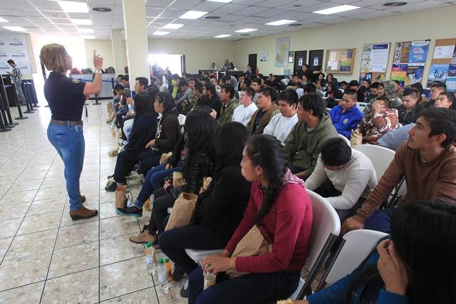 Gobierno de morales impulsa empleo temporal en ee uu for Oficina trabajo temporal
