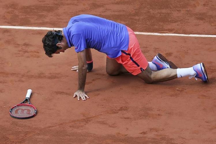 El tenista suizo Roger Federer ha descartado participar en Roland Garros. (Foto Prensa Libre: AP).
