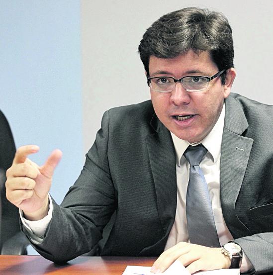 Julio Héctor Estrada administrará el presupuesto del Estado por Q70 mil 796 millones para el ejercicio 2016.