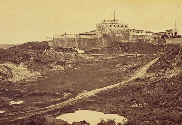 El Fuerte de San José y la laguna del Soldado, circa 1870. (Foto: Eadweard Muybridge)