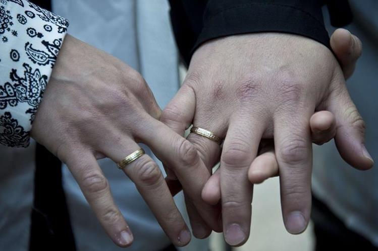 Ilustración. El matrimonio entre personas del mismo sexo está autorizado desde el 2010 por ley en Argentina.(Foto Prensa Libre: AFP).