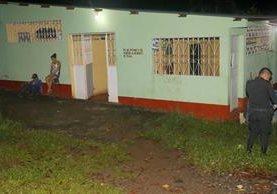 Exterior de la cantina donde ocurrió la balacera en El Asintal, Retalhuleu. (Foto Prensa Libre: Rolando Miranda)