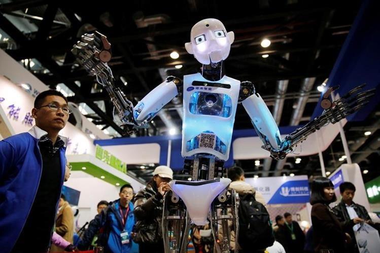 En pocos años, los robots podrán hacer casi cualquier actividad. (Foto Prensa Libre: EFE)