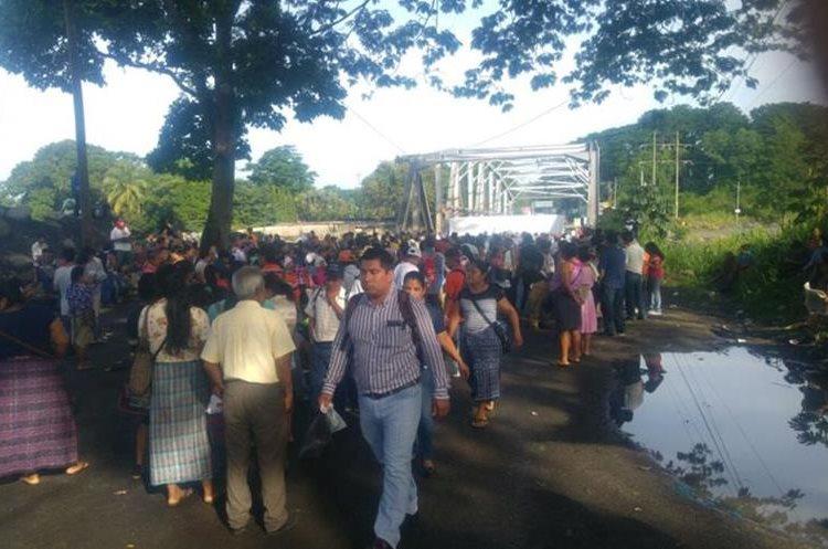 En Retalhuleu el paso fue bloqueado a la altura del Zarco.