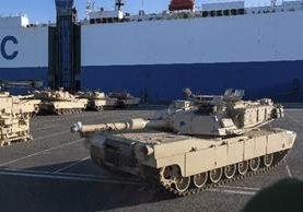 Más de dos mil 500 vehículos militares serán transportados por ferrocarril hacia Polonia(EFE).