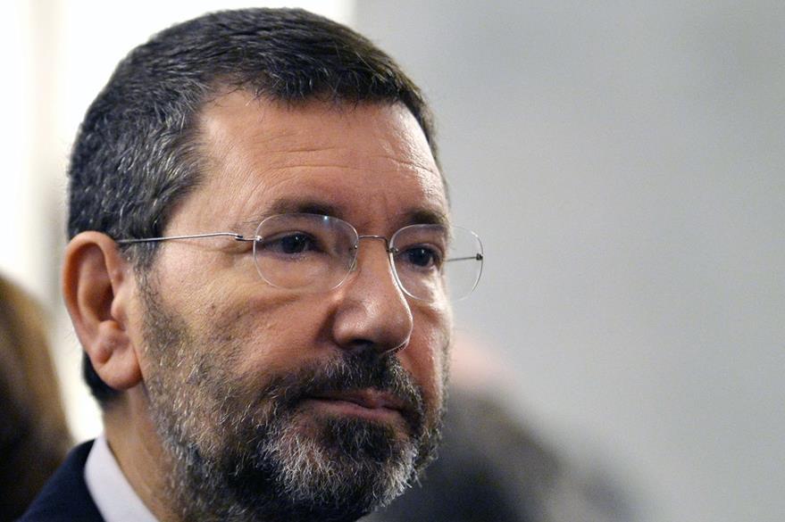 El alcalde de Roma, Ignazio Marino es fuertemente criticado por el caos que impera en Roma. (Foto Prensa Libre: AFP).