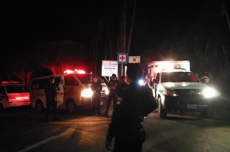 Bomberos reactivarán la búsqueda de la aeronave este miércoles. (Foto Prensa Libre: Carlos Hernández)