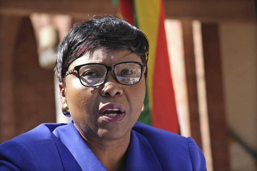 La ministra de Medio Ambiente de Zimbabue, Oppah Muchinguri, fue enfática al pedir la extradición del estadounidense responsable de la muerte de Cecil. (Foto Prensa Libre: EFE).