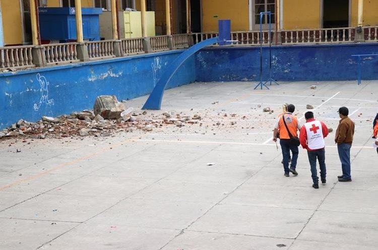 El INVO alberga  a mas de mil estudiantes del ciclo Básico, Diversificado y universitarios. (Foto Prensa Libre: María José Longo)