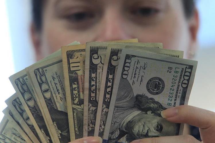 El precio en que se cotiza actualmente el dólar frente al quetzal es Q7.33 por US$1. (Foto Prensa Libre: Hemeroteca PL)