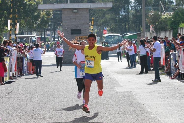 Bor cumplió con una gran actuación este domingo en la Carrera de la Luz y el Sonido. (Foto Prensa Libre: Francisco Sánchez)