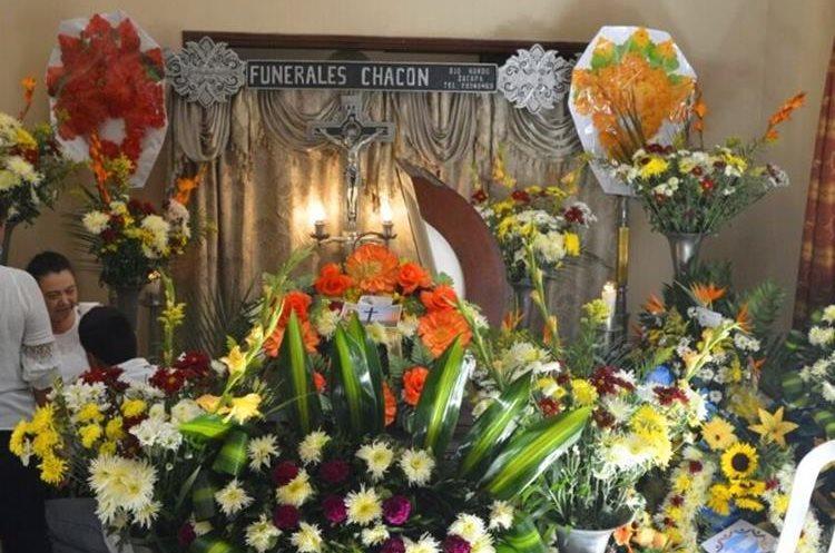 El velorio del alcalde se efectuó en la zona 1 de Estanzuela.(Prensa Libre: Mario Morales)