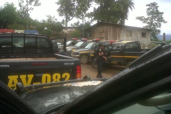 Invasores fueron desalojados de finca Secamquim, Cahabón, Alta Verapaz, en el 2012. (Foto: Hemeroteca PL)