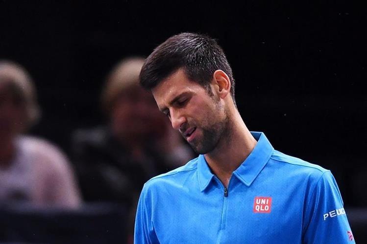 Novak Djokovic muestra su tristeza en la derrota. (Foto Prensa Libre: AFP)