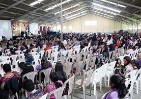 Unas mil 400 féminas participaron en el Congreso de la Mujer, organizado por la Iglesia Adventista del Occidente. (Foto Prensa Libre: Carlos Ventura)