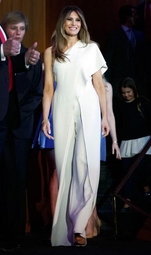 Melania, la esposa de Donald Trump, se ha caracterizado por su buen gusto al vestir. (Foto Prensa Libre: AP)