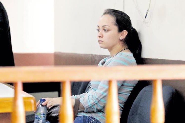 Mónica Gabriela Cascó Chacón fue condenada en 2014 a cuatro años de prisión conmutable por el homicidio en estado de emoción violento de su esposo. El Tribunal consideró que fue en defensa propia.