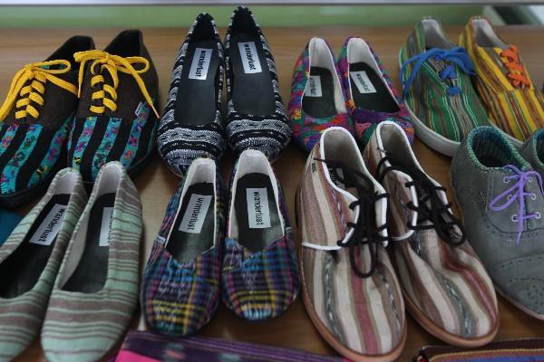 """<p>Los zapatos Wanderlust pueden fabricarse en cualquier talla y color, con piel o tejidos. (Foto Prensa Libre: Érick Ávila)<br _mce_bogus=""""1""""></p>"""