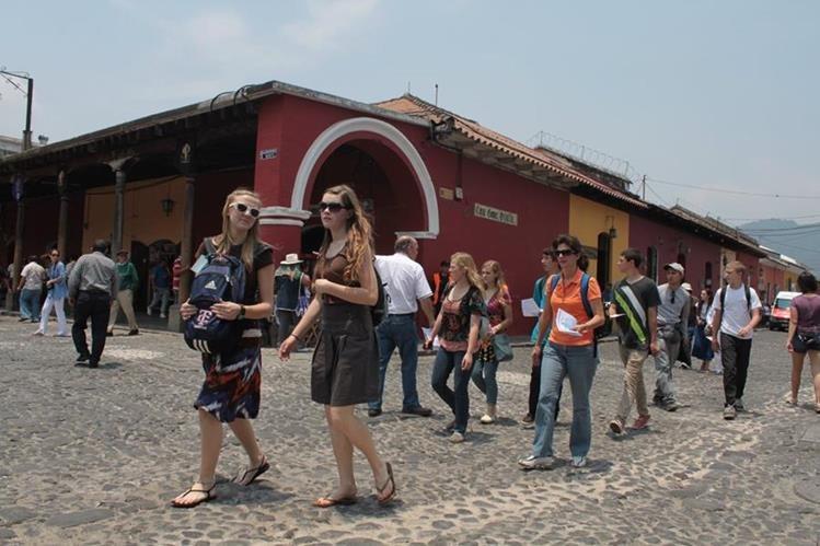 Operadores de turismo piden eliminar tributos para estimular el atractivo al país. (Foto Prensa Libre: Hemeroteca PL)