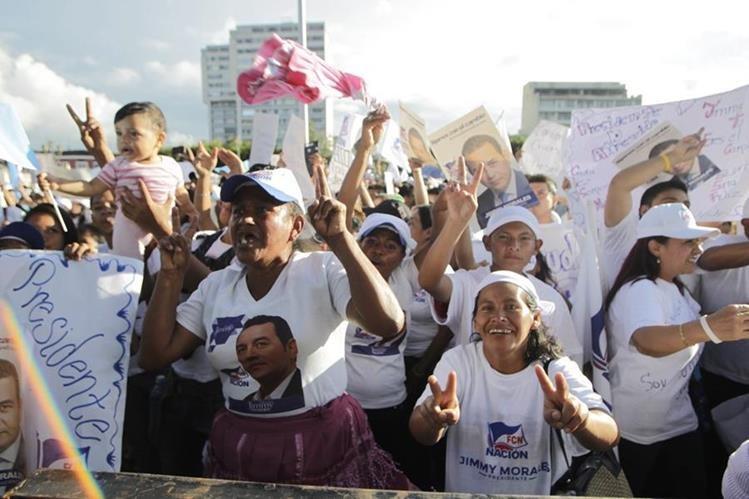 El partido oficial gastó Q4 millones en publicidad durante la segunda vuelta electoral del 2015, aseguró ayer el vicepresidente, Jafeth Cabrera. (Foto Prensa Libre: Hemeroteca PL)