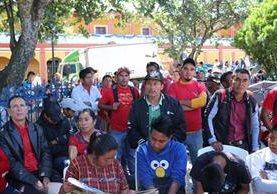 Maestros de telesecundaria en Santa Cruz de Quiché, denunciaron corrupción en asignación de plazas.