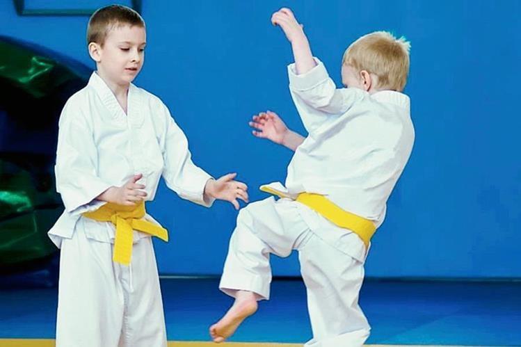 La práctica de taekuondo estimula varias áreas de los niños. (Foto Prensa Libre: HemerotecaPL).