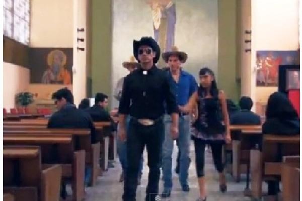 Iglesia Católica mexicana lanza un video donde pide perdonar a los narcos asesinos.