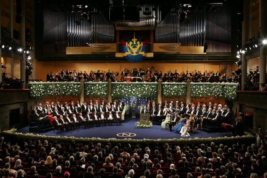 Los premios se otorgan el 10 de diciembre de cada año, en recuerdo de la fecha de fallecimiento de Nobel. En la foto la premiación de 2005. (Foto: AP)