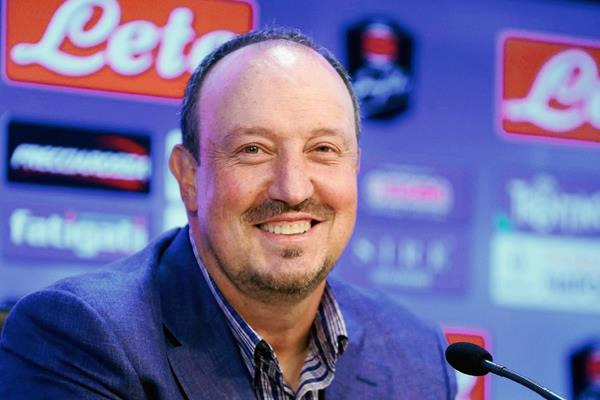 Benítez anunció que dejará el Nápoli al finalizar la temporada. (Foto Prensa Libre: AP)