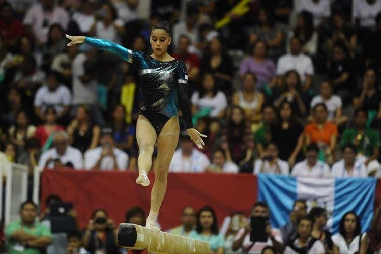 Ana Sofía Gómez, en acción, en los Juegos de Veracruz. (Foto Prensa Libre: Hemeroteca PL)