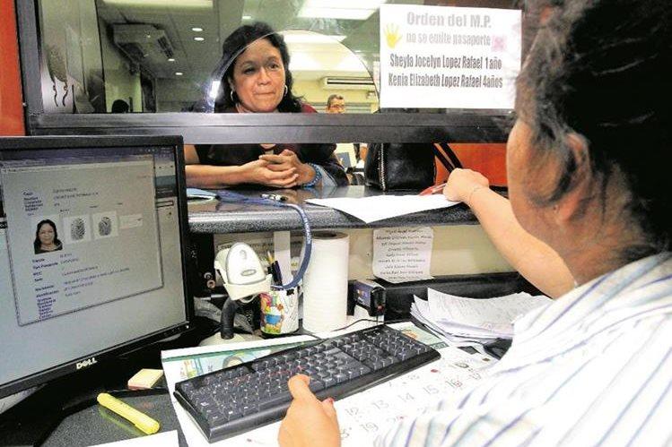 El fraude de los pasaportes falsos se extiende a diversos países de mundo, incluido Guatemala. (Foto Prensa Libre: Hemeroteca PL)