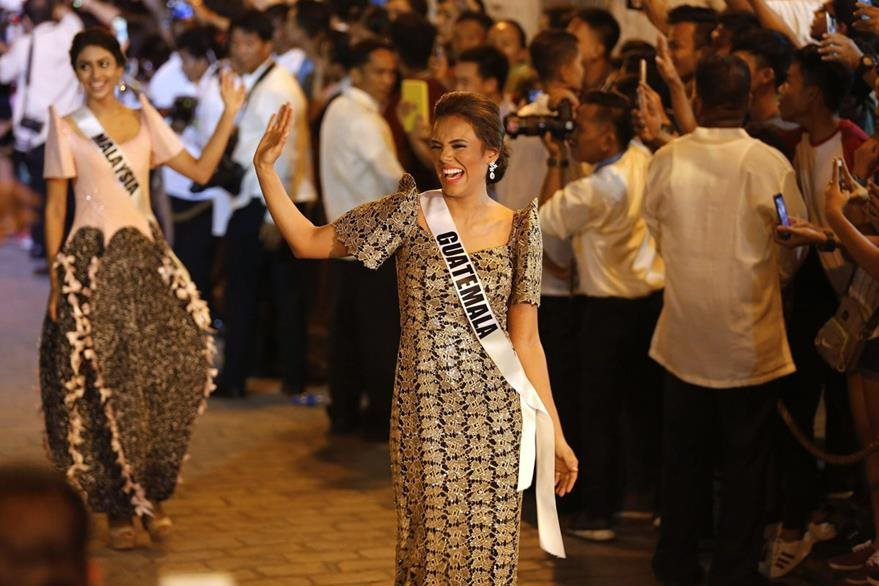 Virginia  Argueta participa en el certamen de Miss Guatemala. (Foto Prensa Libre: EFE)