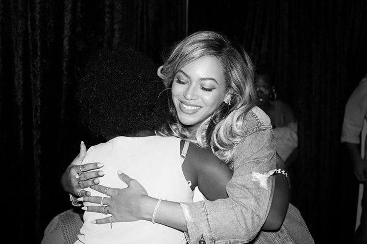 Beyoncé tomó tiempo para saludar a las personas que llegaron al evento y escuchar sus historias. (Foto Prensa Libre: Sitio Ofical).