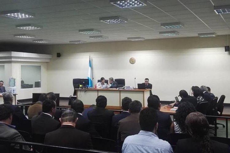Juez Miguel Ángel Gálvez explica razones por las que fue reprogramada la audiencia de Salvador González. (Foto Prensa Libre: Jerson Ramos)