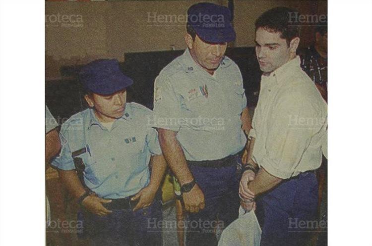 Después de ser sentenciado a 30 años de prisión, Ortega del Cid se prepara para regresar al Centro Preventivo para Hombres, de la zona 18. 25/04/1996 (Foto: Hemeroteca PL)