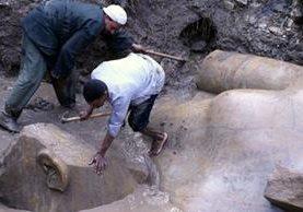"""Los científicos calificaron como """"impresionante"""" el hallazgo de la estatua. EPA"""