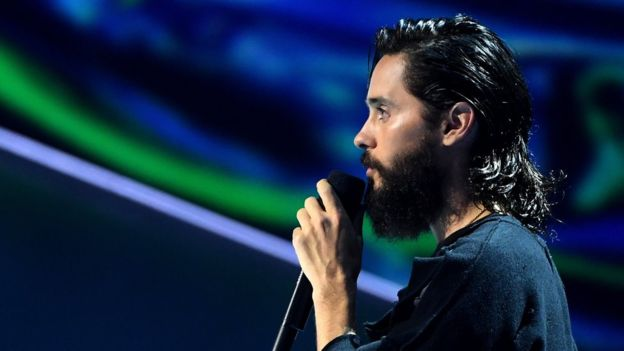 Jared Leto se emocionó al recordar a Chris Cornell y Chester Bennington. (GETTY IMAGES)