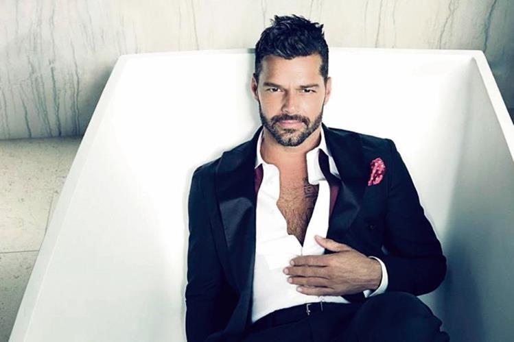Esta es una de las primeras fotografías que Ricky Martin utilizó para promocionar su disco A quien quiera escuchar.